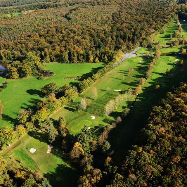 bagnoles-orne-golf-vue-aerienne-foret