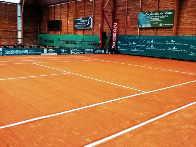 bagnoles-orne-tennis-interieur-terbal