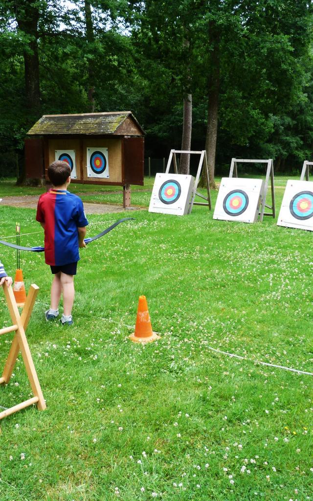 Bagnoles Orne Tir Arc Exterieur Cible Initiation Enfants 3