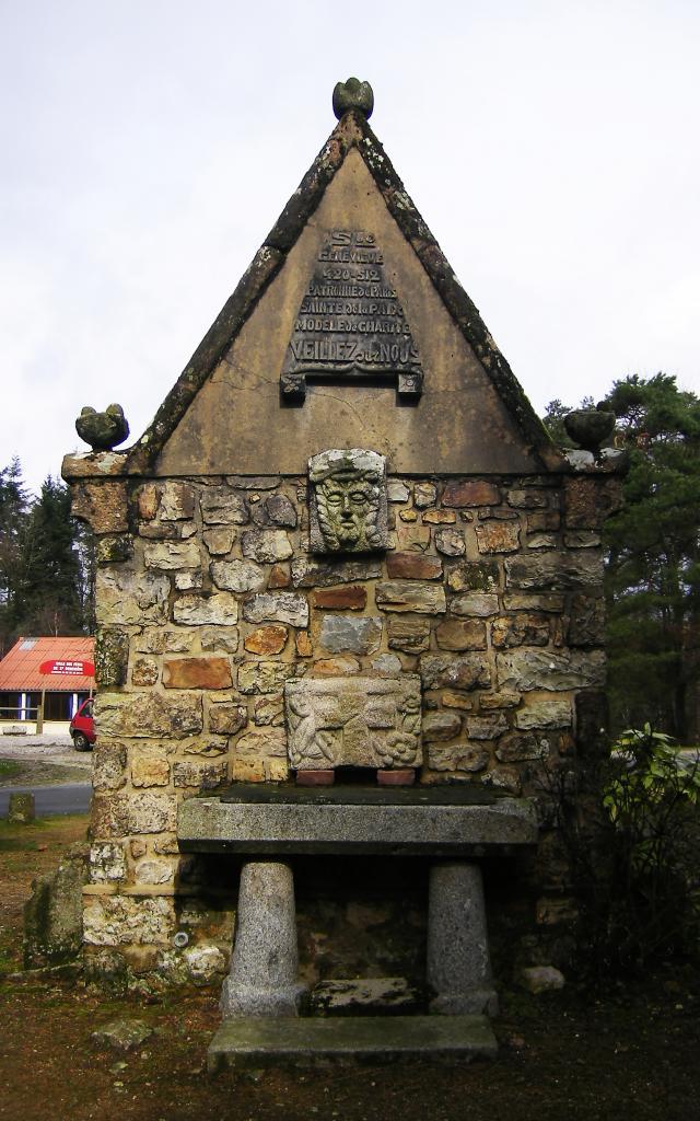 chapelle-sainte-genevieve-dos
