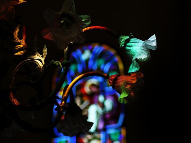 eglise-sacre-coeur-couleur-vitraux-bagnoles-orne