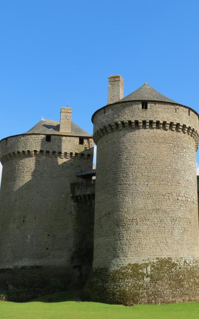 lassay-les-chateaux-chateau-mayenne-9