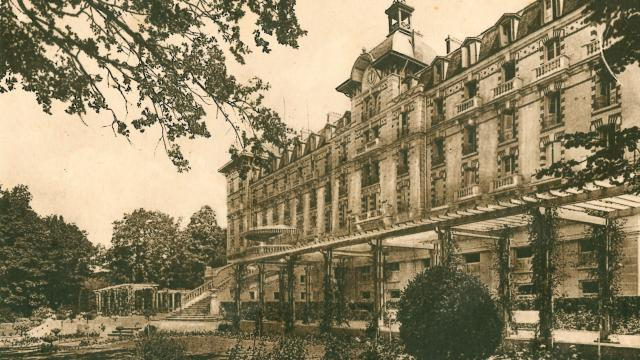 bagnoles-orne-grand-hotel-terrasse-belle-epoque-1