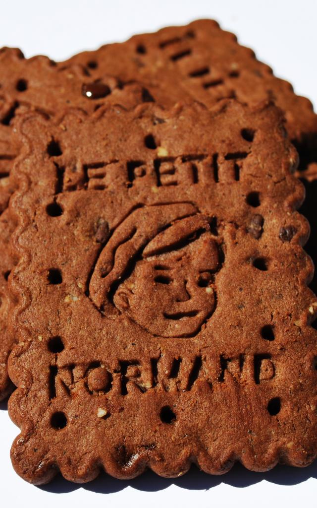 Bagnoles Orne Biscuiterie Lonlay Abbaye Detail Gateau Terroir Savoir Faire Petit Normand Chocolat 1